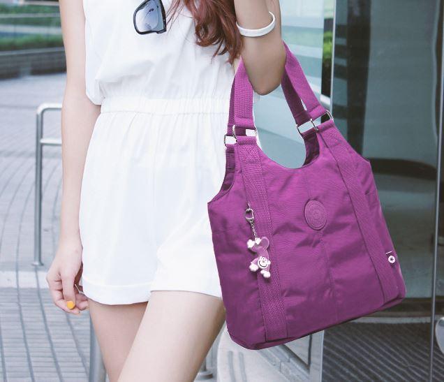กระเป๋าสะพายข้างผู้หญิง แบบ สปอร์ต กระเป๋าผ้าไนลอน กันน้ำ กระเป๋าถือ ทรง tote แบบวัยรุ่น แนวสปอร์ต กระเป๋าใส่ของ ที่ท่องเที่ยว ใช้ได้ทุกโอกาส 695779