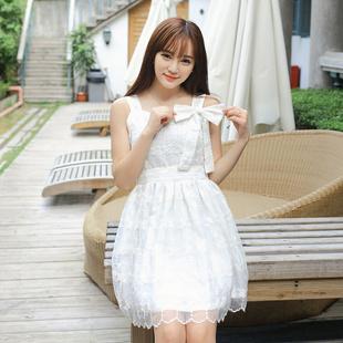 """size L""""พร้อมส่ง""""เสื้อผ้าแฟชั่นสไตล์เกาหลีราคาถูก เดรสลูกไม้สีขาวสายเดียวเส้นใหญ่ ติดโบว์ที่อก ซิปข้าง มีผ้าคาดเอวให้ มีซับใน ใส่ออกงานสวยค่ะ"""