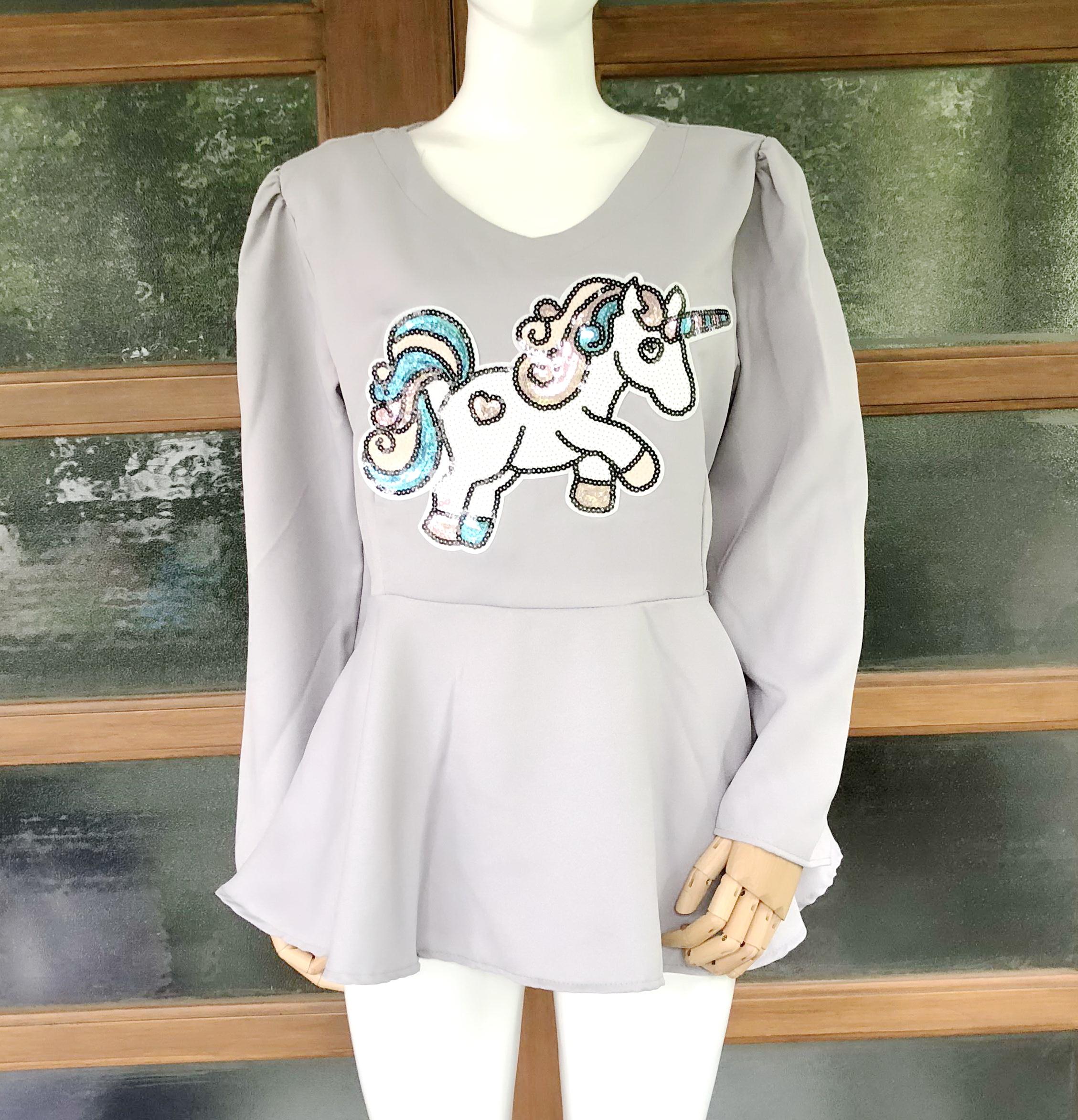 ส่ง:เสื้อต่อเอวบานสวิงแบบน่ารักแต่งปักติดเลื่อมยูนิคอร์น/อก40