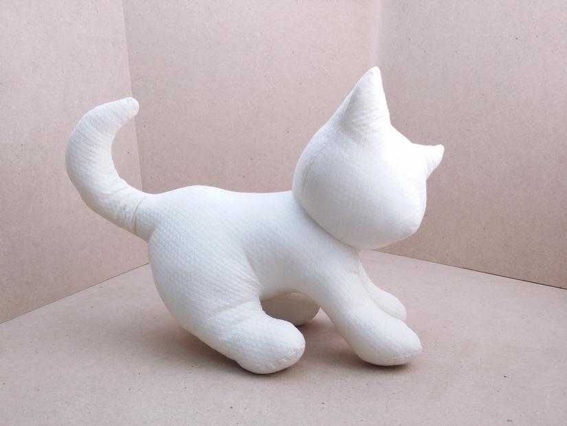ตุ๊กตาแมวหมอบ สีขาว Kitten Cat Softy Toy - White