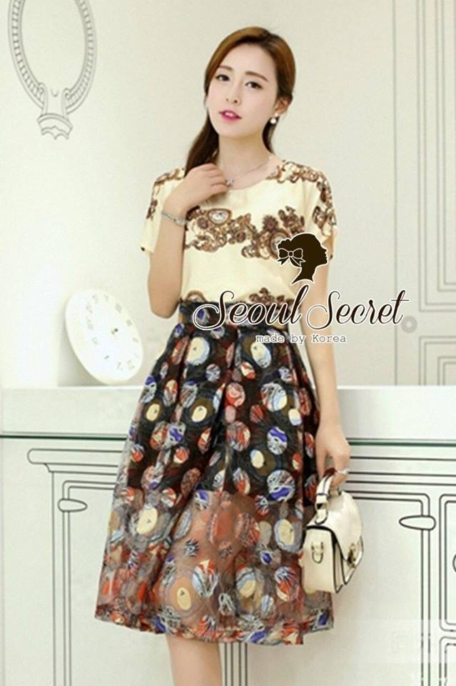 Set D&G Lincoln Crest Blouse match with Skirt by Seoul Secret