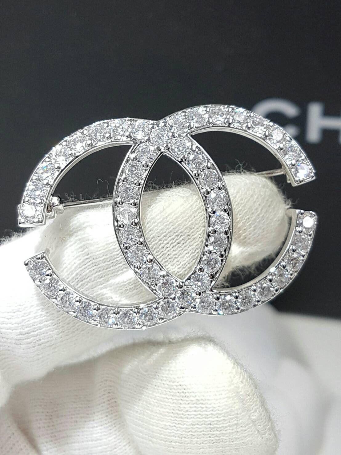 พร้อมส่ง Diamond Chanel Brooch