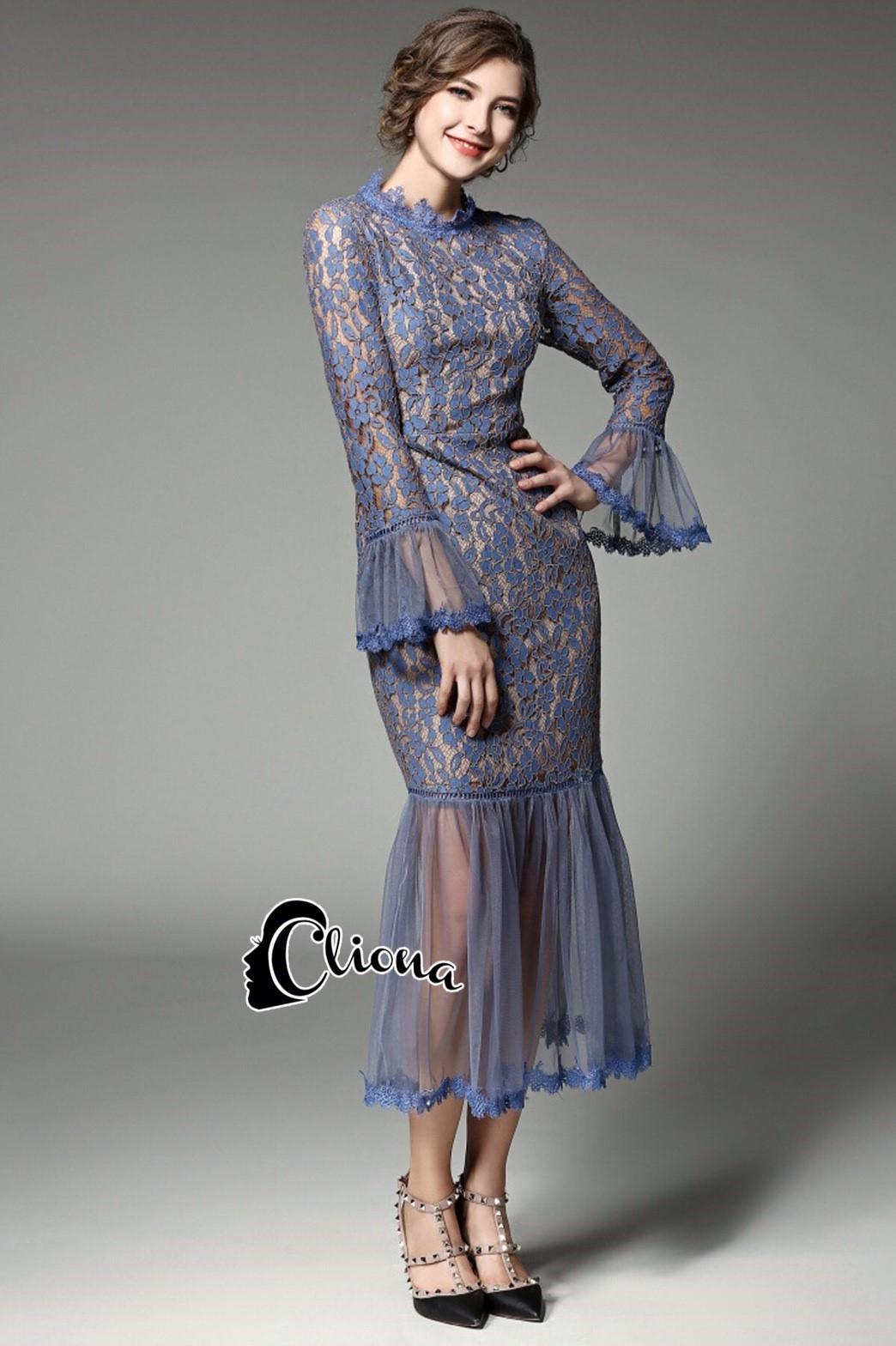 ชุดเดรสเกาหลี พร้อมส่งLong dress. ลูกไม้สีฟ้า สลับตาข่าย