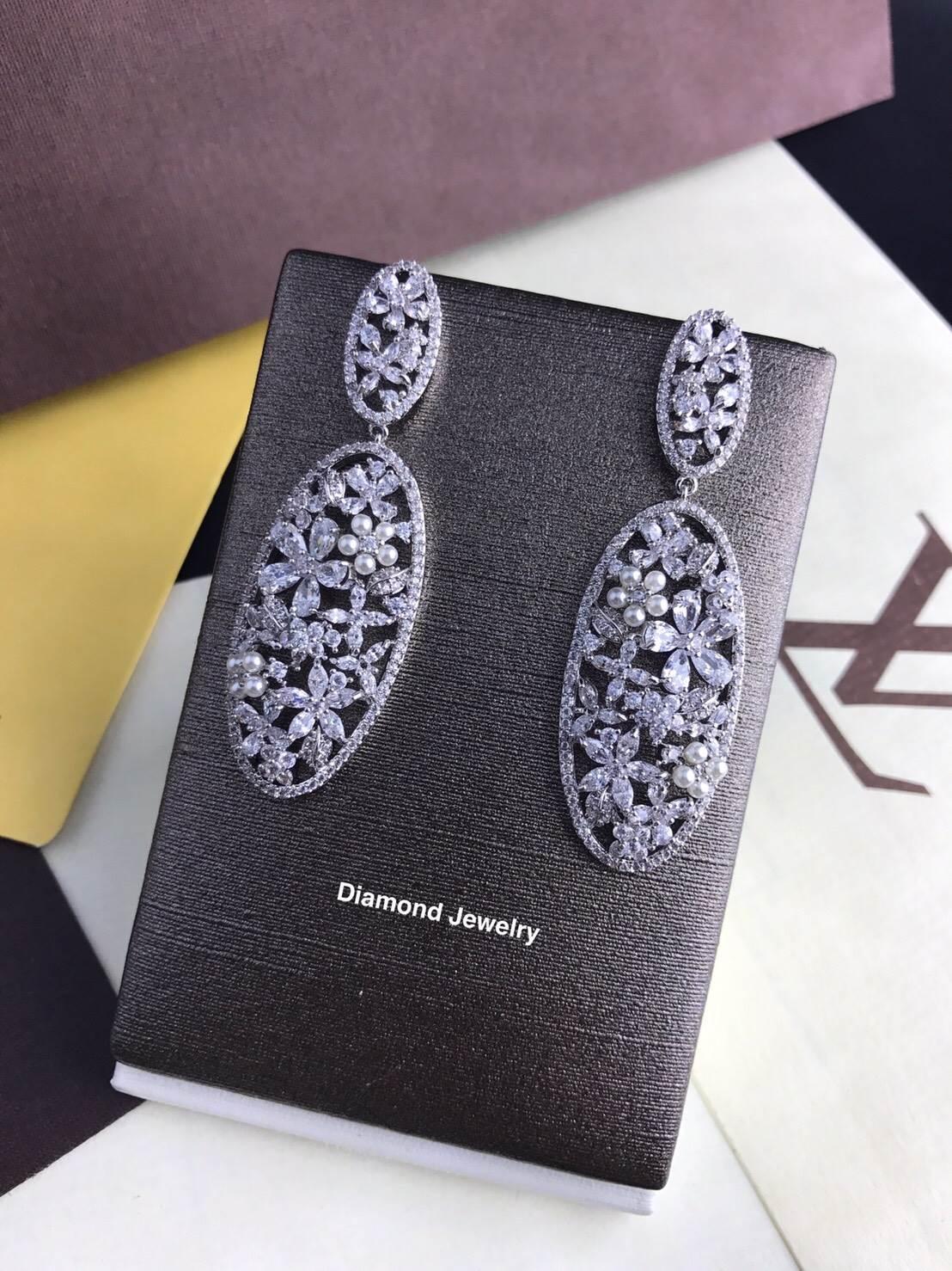 พร้อมส่ง Diamond Earring ต่างหูเพชร CZ แท้ประดับมุก