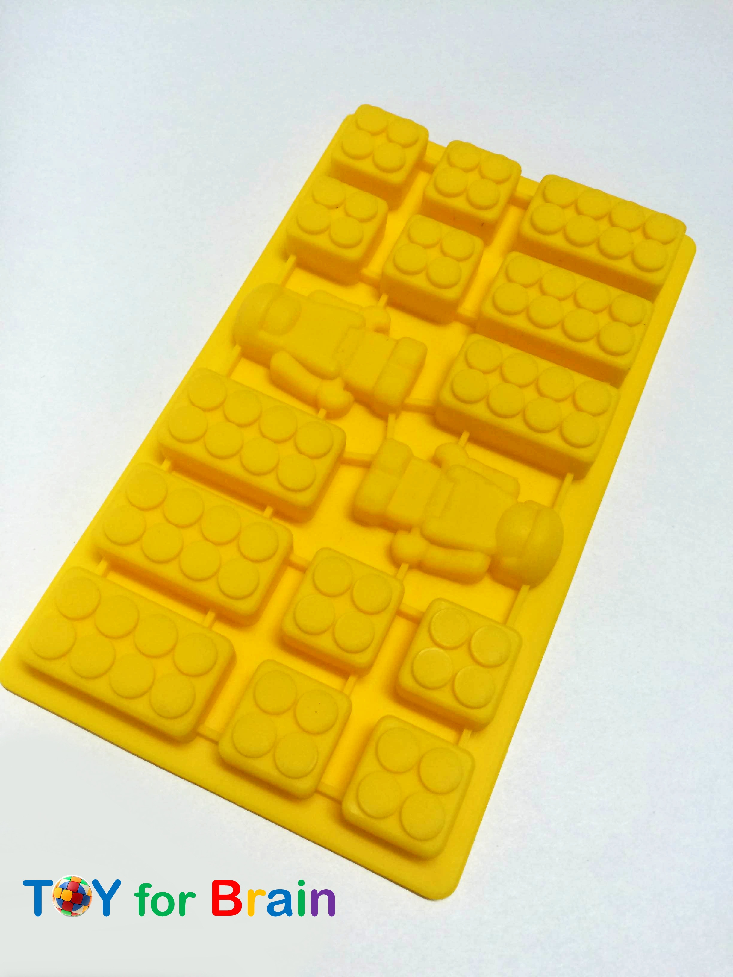 Lego Bricks Robot Mini Man Combination Silicone Ice Tray เหลือง