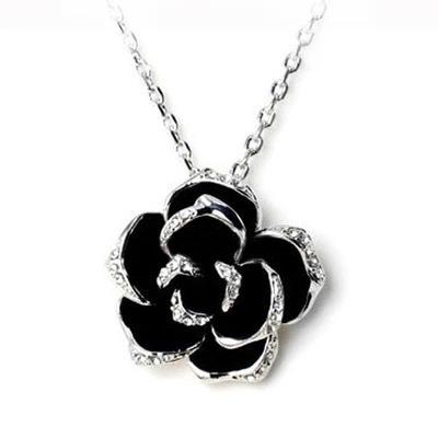 สร้อยคอ ดอกไม้ สีดำ
