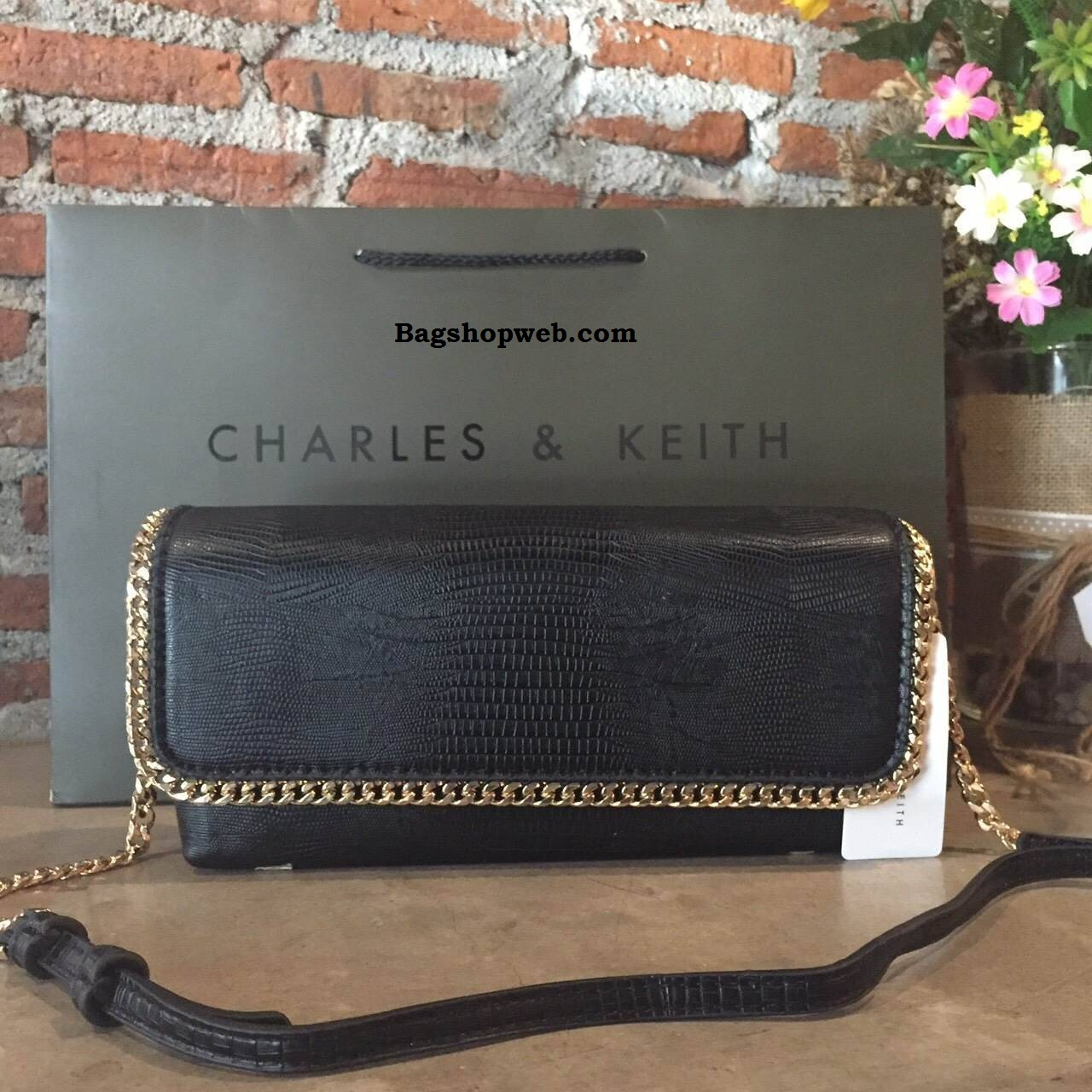 กระเป๋า Charles & Keith Detail Skin Clucth Bag ราคา 1,290 บาท Free Ems
