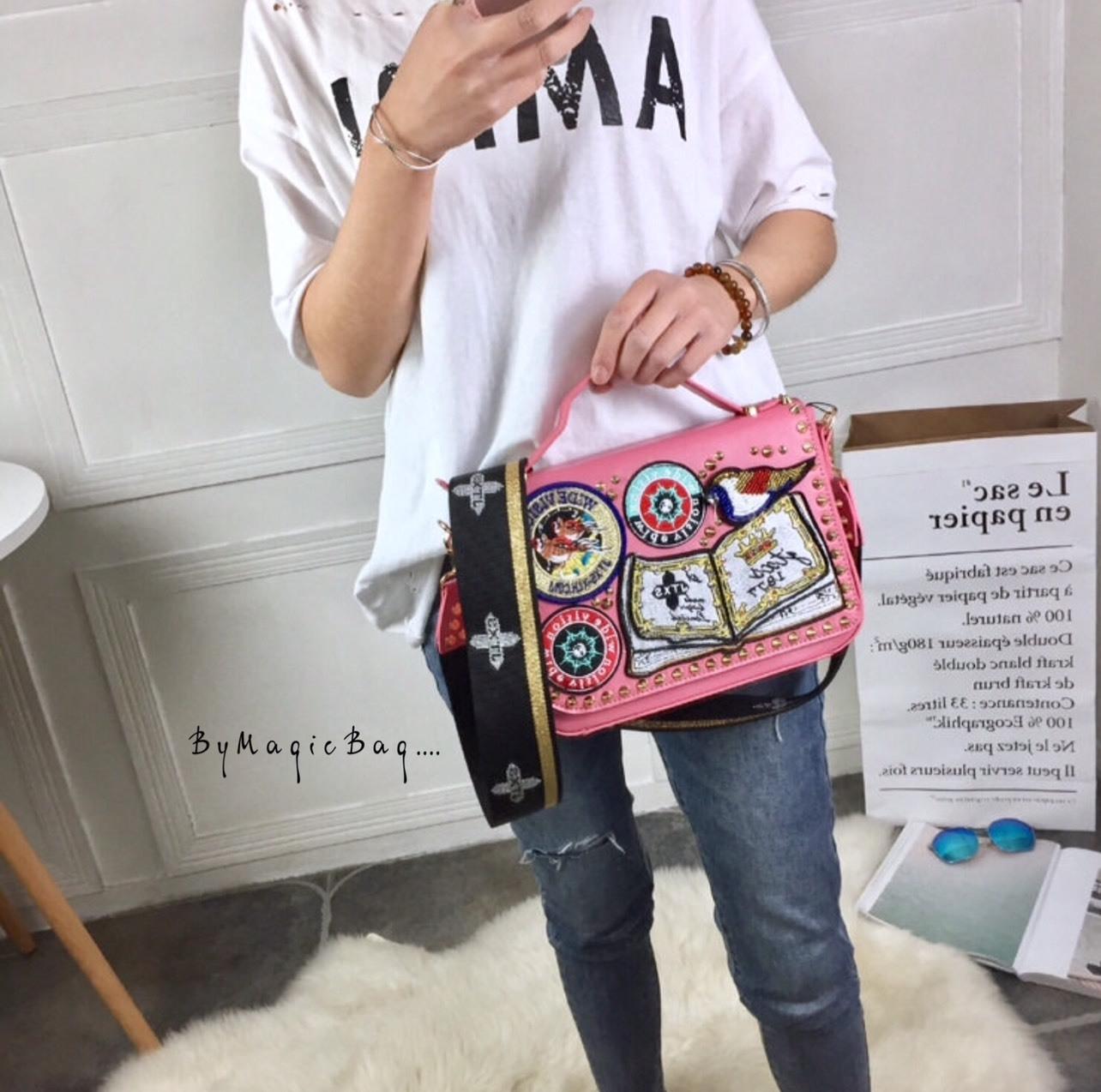 กระเป๋าสะพาย สีชมพู JTXS bag made in Hong Kong 2017...งานแท้นะคะ