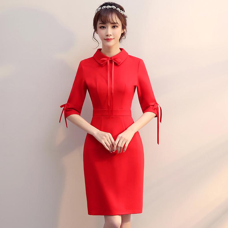 ชุดเดรสสั้นสีแดง ทรงข้ารูป ลุคเรียบๆ สวยดูดี ใส่ได้หลายโอกาส