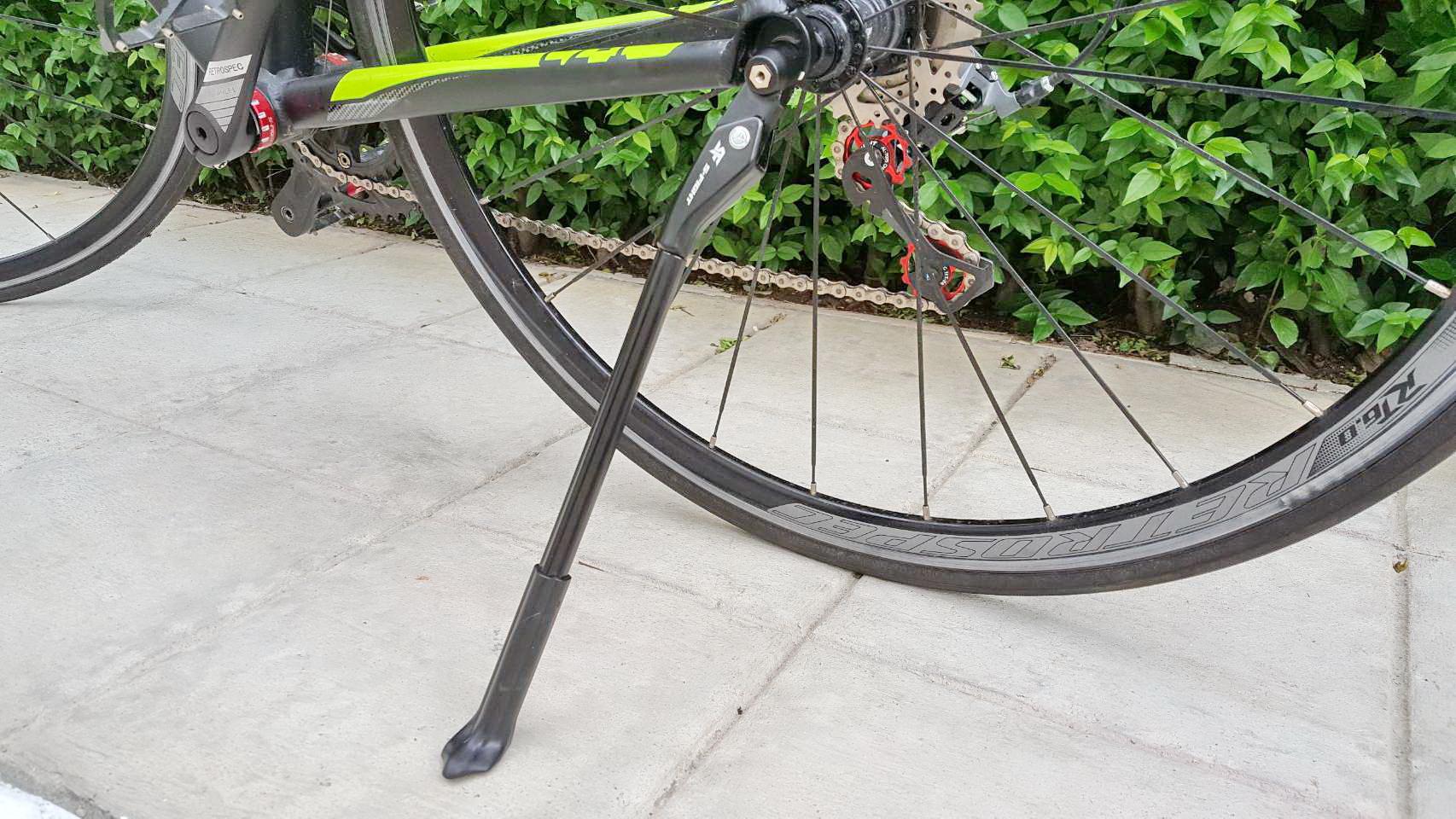 ขาตั้งข้างแบบใหม่ S-Fight ใช้การติดตั้งกับแกนปลดเร็วจักรยาน ติดตั้งง่าย ไม่ยุ่งยาก ทำเองได้ทันที น้ำหนัก 160 กรัม