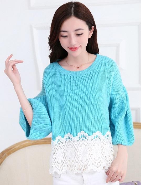 เสื้อแขนยาวแฟชั่นเกาหลี สีฟ้า ผ้าไหมพรม แขนพองๆ ปลายเสื้อแต่งระบายลูกไม้