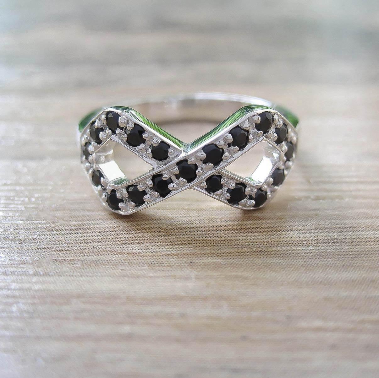 แหวน Black Onyx Sterling Silver สี Rhodium รุ่น Infinite