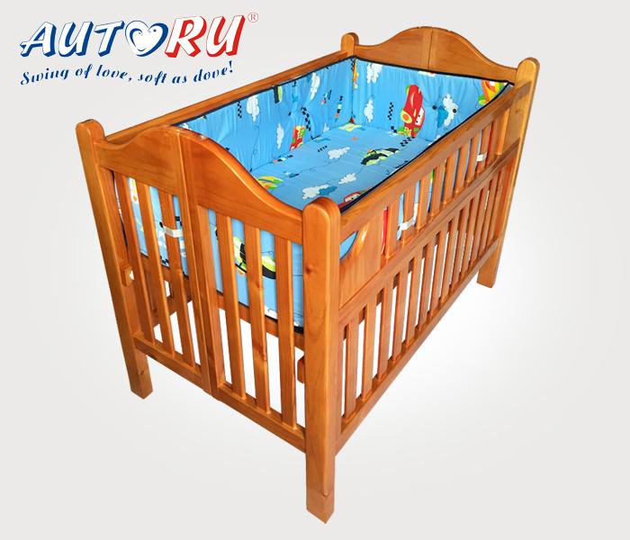 เตียงนอนเด็ก Autoru สีน้ำตาลไม้เงางาม