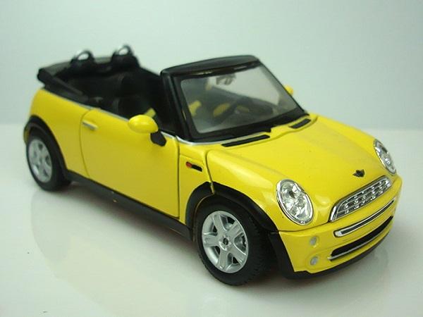 ขาย pre order โมเดลรถยนต์ BMW Mini Cabrio 1:24 สีเหลือง มี โปรโมชั่น