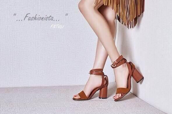 รองเท้าส้นสูง HIGH CLASS LUXURY COLLECTION สายหนังกลับเก๋ไก๋ ด้วยวัสดุหนัง pu ฟอกเลียนแบบหนังแท้ งานคุณภาพดีอยู่ทรง สายพันข้อเท้า แบบ 2 รอบปรับระดับได้ อะไหล่ตะขอสีทองเงา ส้นหนาเดินง่ายใส่สบาย งาน จริงสวยหมือนแบบ แมชชุดได้หลายแนว