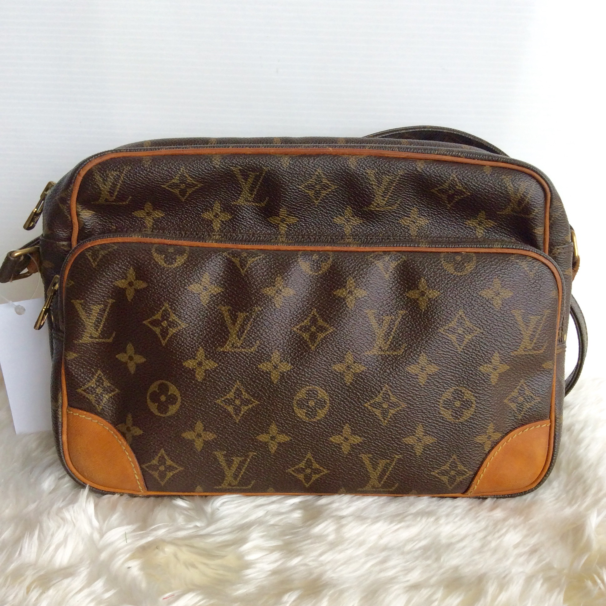 (SOLDOUT)LOUIS VUITTON Monogram Nill MM