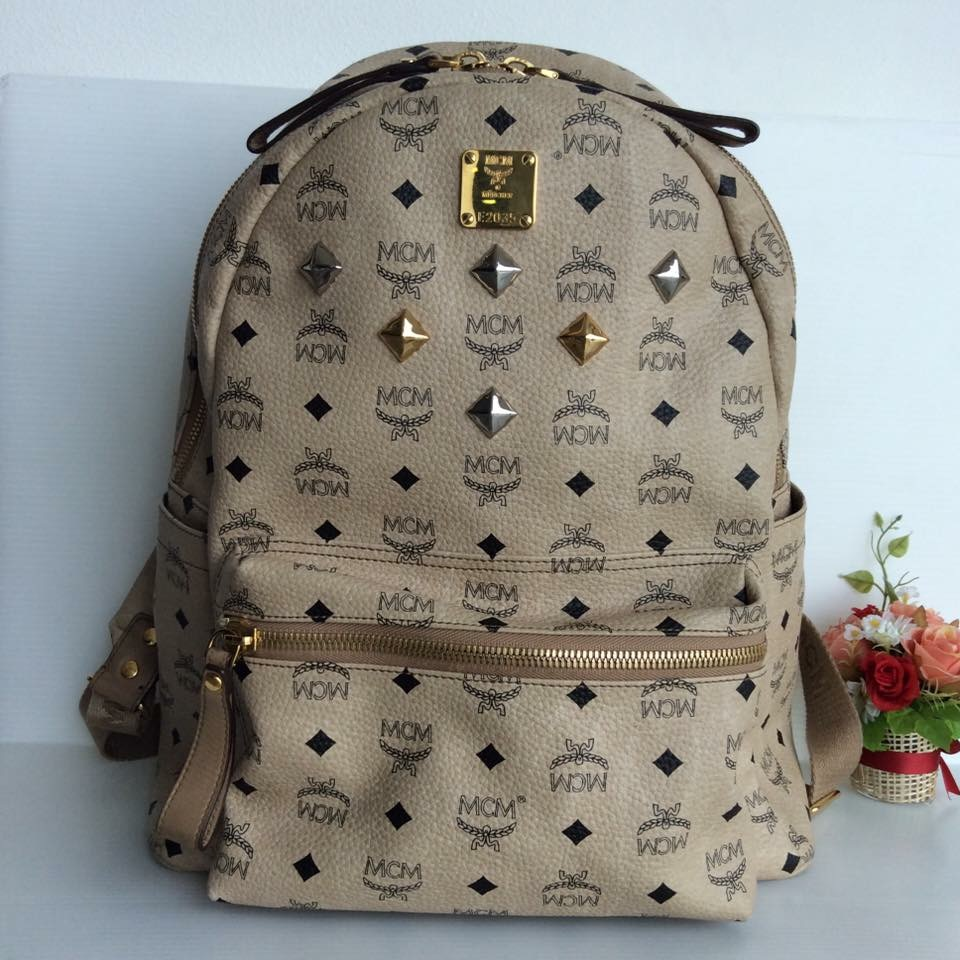 (SOLDOUT)MCM Backpack size Medium สีเบจ