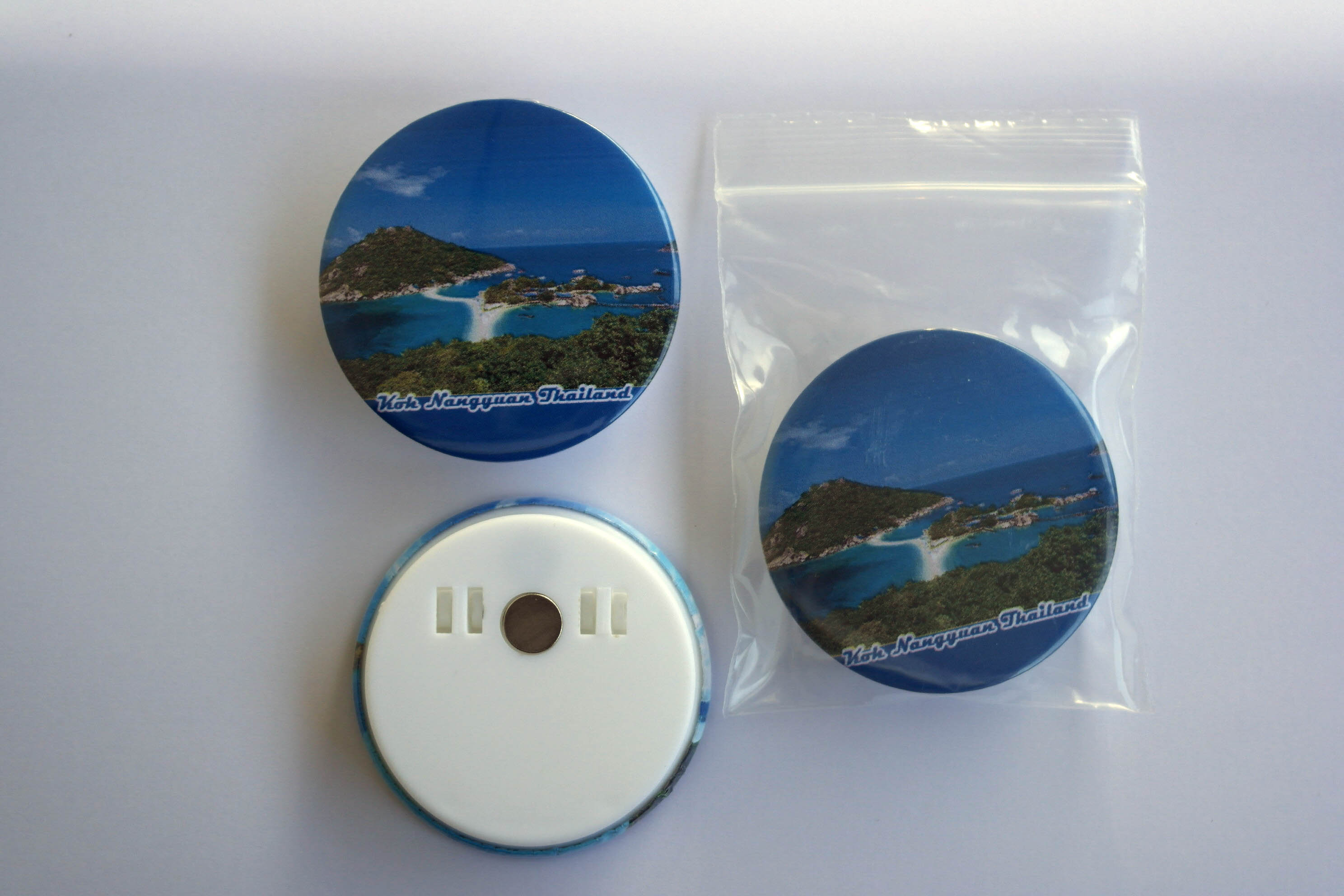 Koh Nangyuan 58 mm Fridge Magnet with paper clip