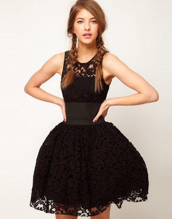 **พรีออเดอร์** ชุดเดรสผู้หญิงแฟชั่นยุโรปใหม่ แขนกุด ลูกไม้ แบบเก๋ เท่ห์ / **Preorder** New European Fashion Slim Wide Belt Lace Stitching Sleeveless Dress
