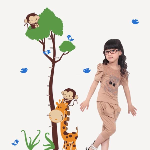 """สติ๊กเกอร์ติดผนังพีวีซีเนื้อใส ที่วัดส่วนสูง """"Tree Cute and Monkey"""" สเกลเริ่มต้น 40 cm ถึง 130 cm"""