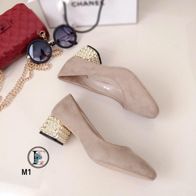รองเท้าคัทชูหัวตัด Style MIUMIU (สีครีม)