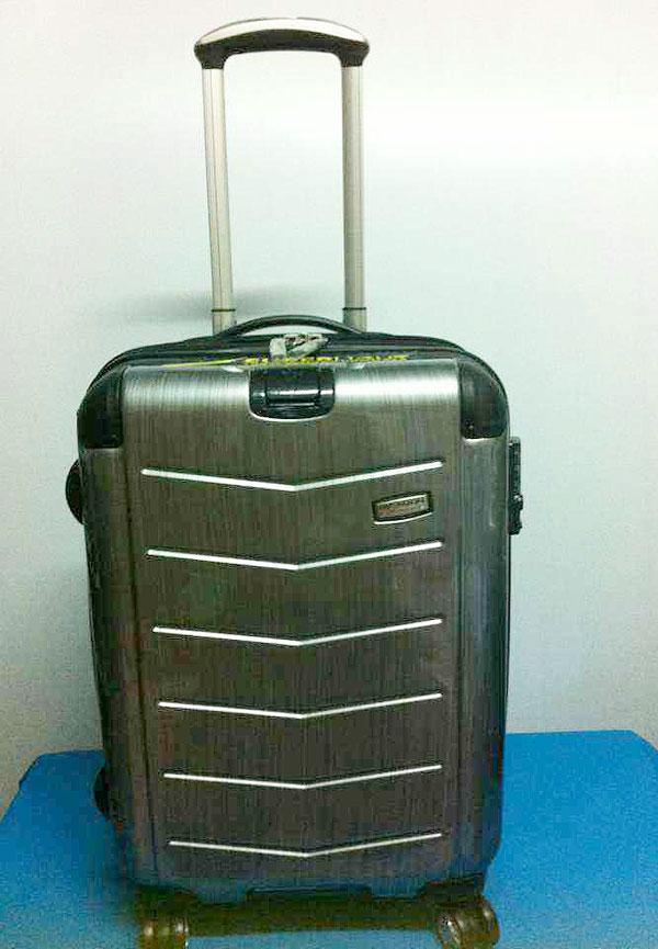 กระเป๋าเดินทางแบรนด์เนม Ricardo รุ่น Rodeo Drive สีบรอนซ์เงิน ขนาด 21 นิ้ว