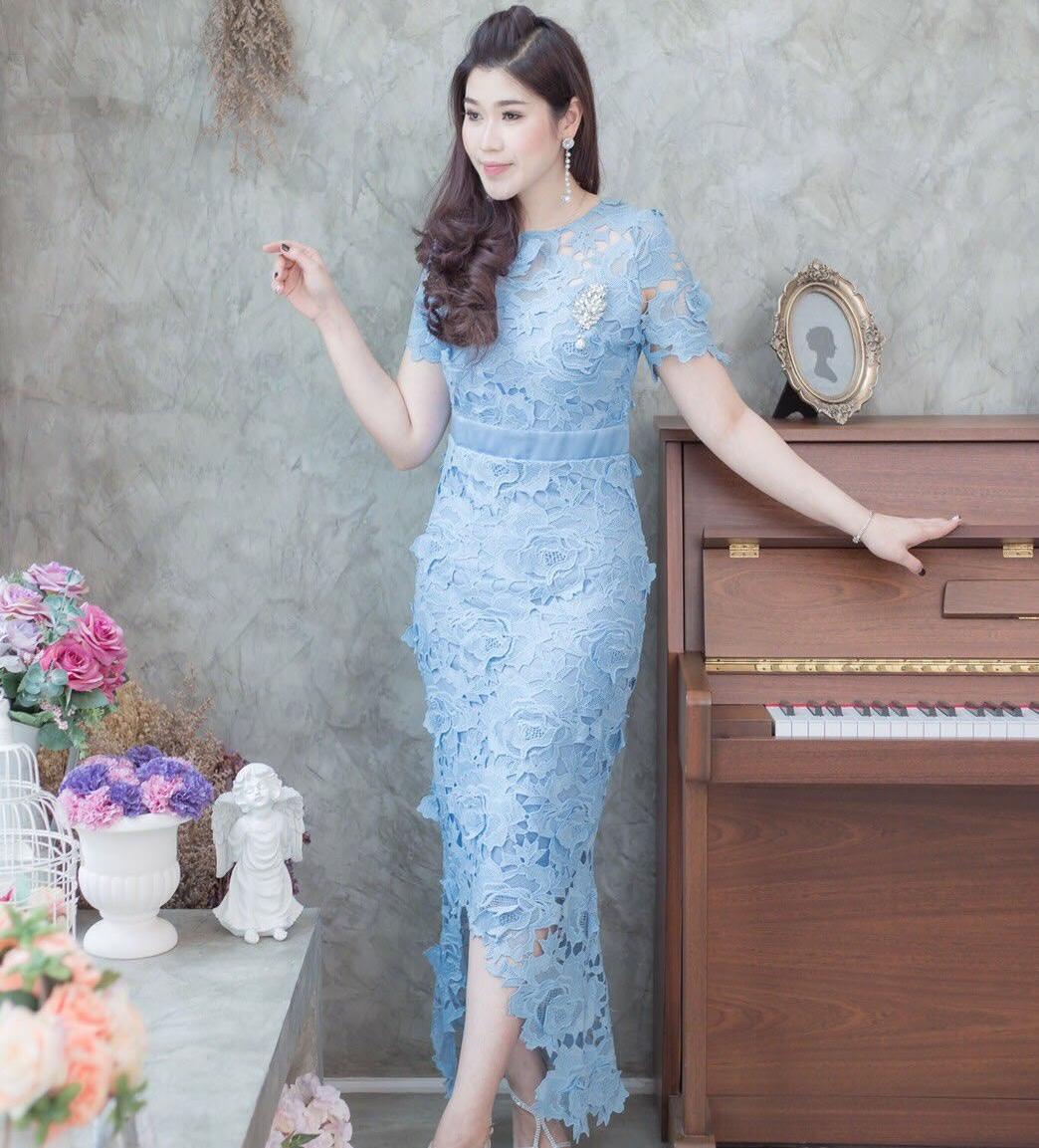 ชุดเดรสออกงานสีฟ้า ผ้าลูกไม้ เข้ารูป เรียบหรู สวยสง่า ดูดี