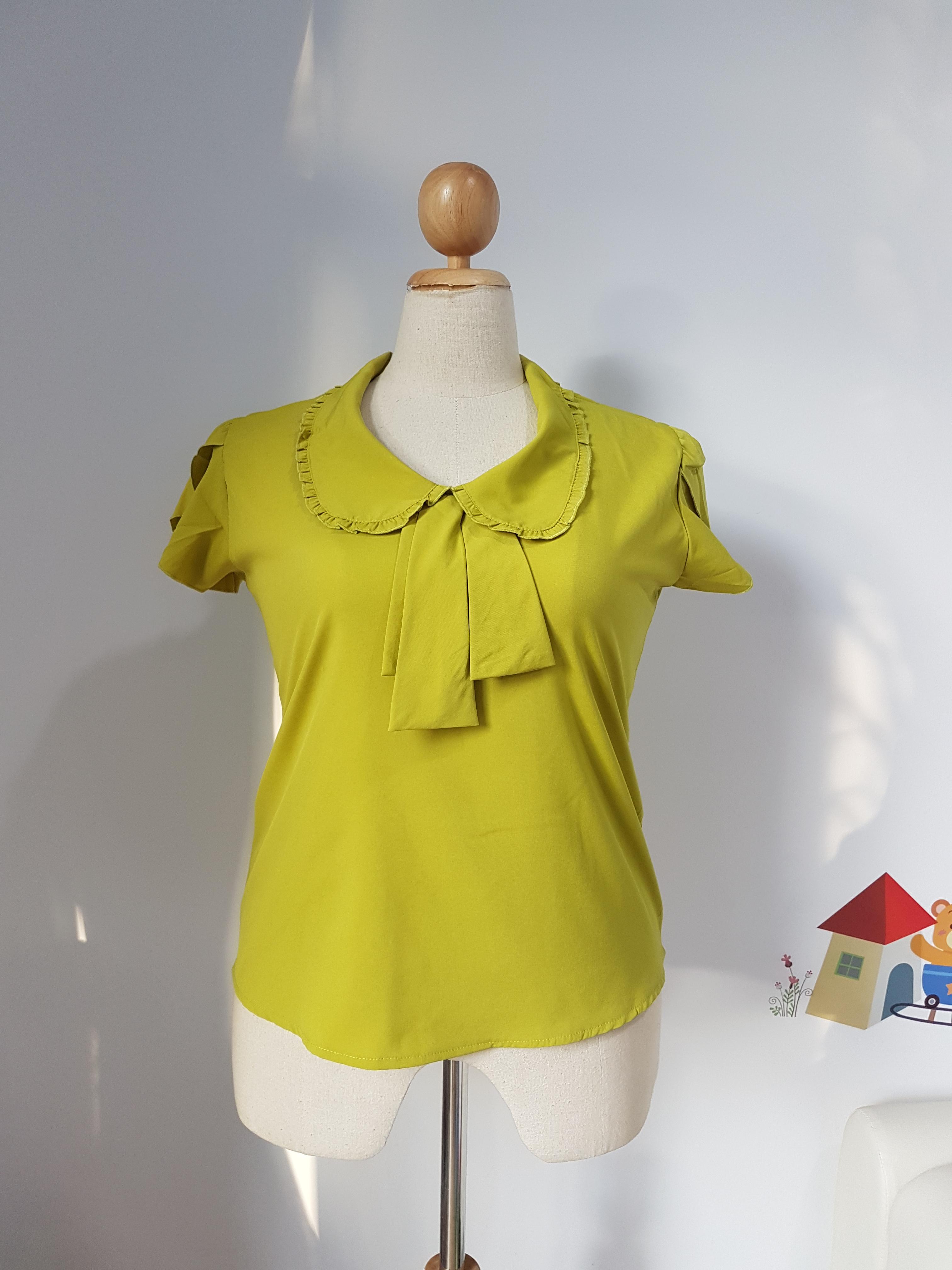 เสื้อ ผ้าไหมอิตาลี คอบัวระบาย สีเขียวมะนาว ไซส์ XXL อก 48-50 นิ้ว
