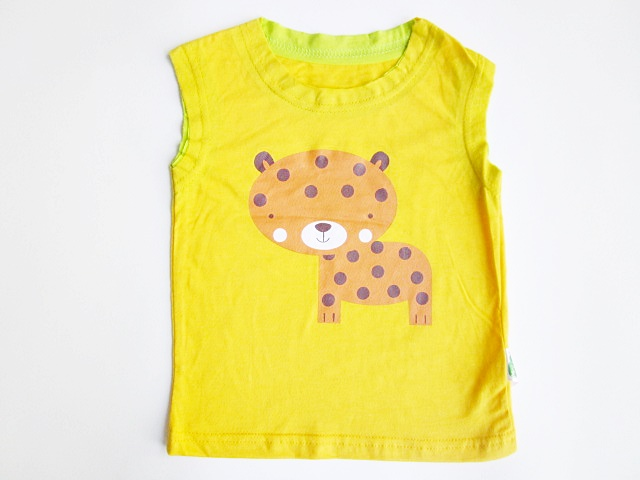 เสื้อแขนกุดเด็กสกรีนลาย size S (6-12 m )