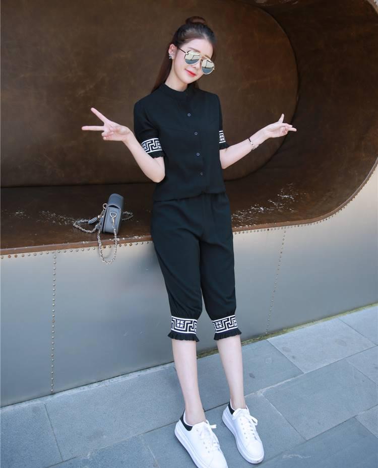 ชุด 2 ชิ้น เสื้อแฟชั่น คอปีน แขนจั๊ม + กางเกง3 ส่วน สีดำ