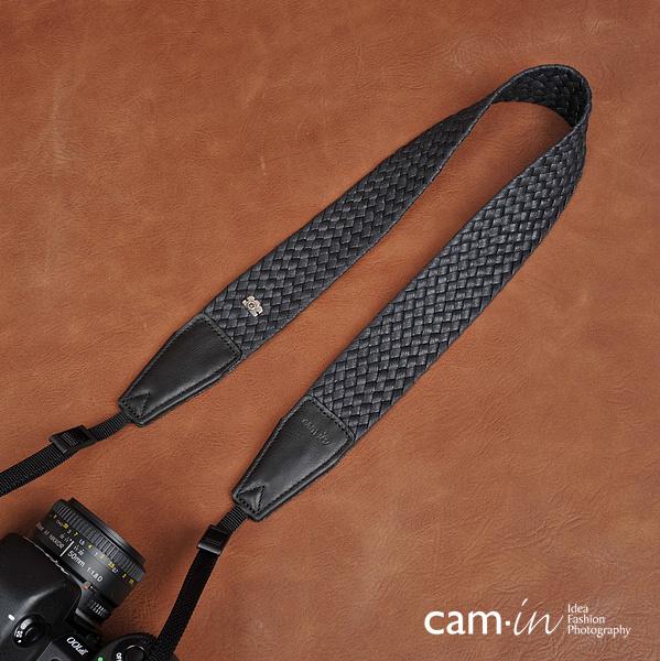 สายคล้องกล้องเท่ห์ๆ สีดำเงิน cam-in Classic Black