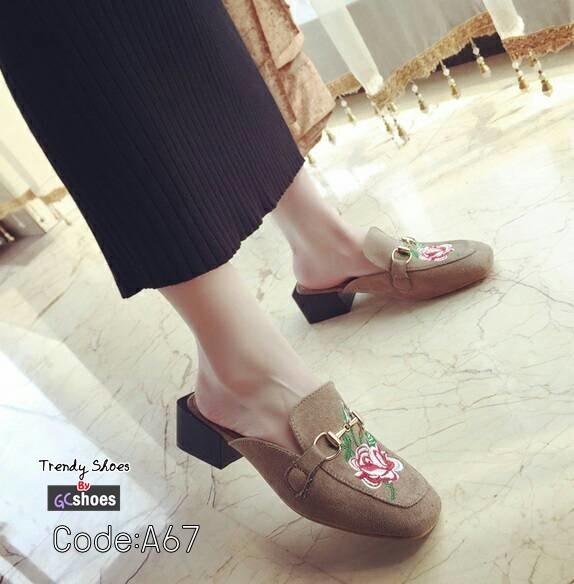 รองเท้าส้นเตี้ยเปิดส้นสีกากี หัวตัด Style Gucci (สีกากี )