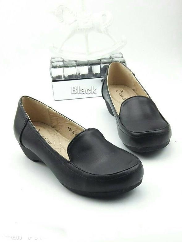 รองเท้าคัทชูเสริมส้น ทรงสวม (สีดำ )