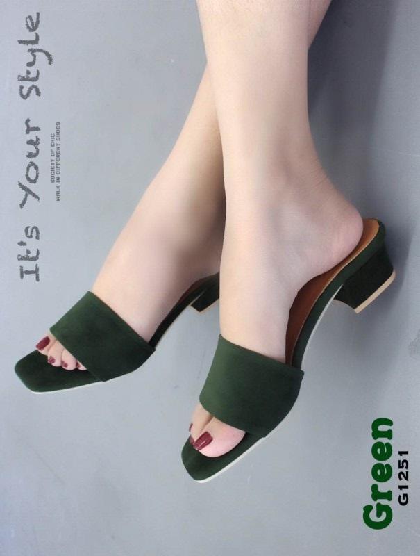รองเท้าแตะส้นตันสีเขียว หน้าสวม ผ้ากำมะหยี่ (สีเขียว )