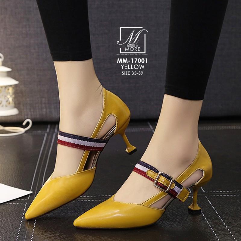 รองเท้าคัทชูส้นสูงสีเหลือง หัวแหลม เว้าข้าง (สีเหลือง )
