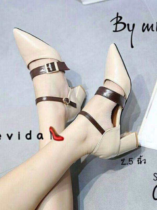 รองเท้าส้นตันรัดข้อสีครีม หัวแหลม สายคาดเข็มขัด (สีครีม )