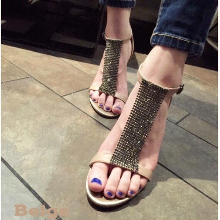 พร้อมส่ง รองเท้าส้นเข็มหุ้มข้อสีเบจ ผ้าสักหราด แฟชั่นเกาหลี แฟชั่นเกาหลี [สีเบจ ]