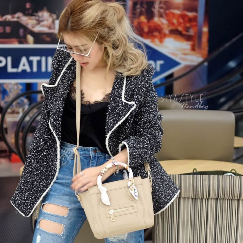 กระเป๋าสะพายแฟชั่น กระเป๋าสะพายข้างผู้หญิง ซีลีนคลาสสิค (CELINE CLASSIC) อะไหล่ทอง [สีดำ]