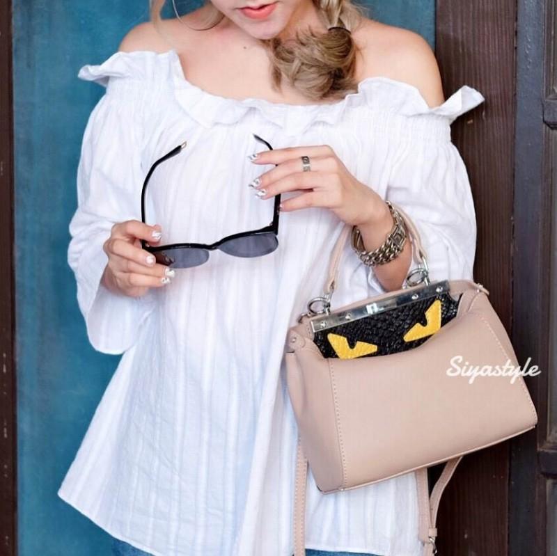 กระเป๋าถือ กระเป๋าสะพายข้างแฟชั่น Fendi monster [สีเบจ ]