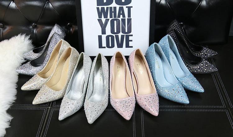 สวมใส่รองเท้าส้นสูงอย่างไรให้สวยเลิศ