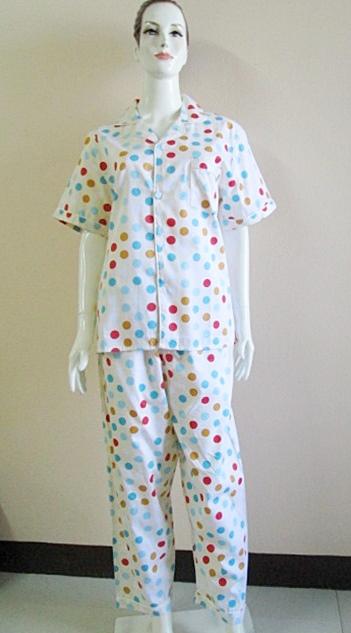 ชุดนอน(ญ)ขายาวแขนสั้น ผ้า Cotton สีเหลืองลายกลม ฟรีไซส์ มี 2 สี สีขาว,สีเหลือง