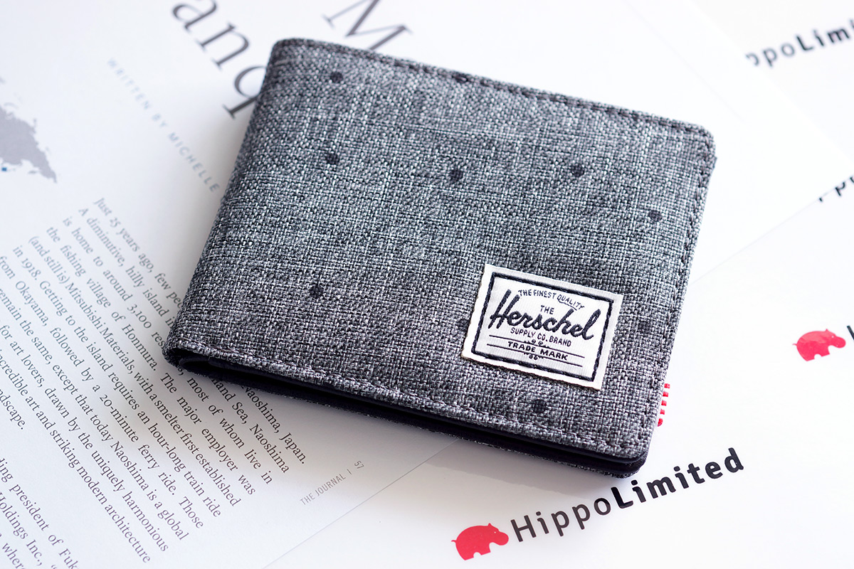 กระเป๋าสตางค์ Herschel Hank Wallet - Scattered Raven Crosshatch / Black Synthetic Leather