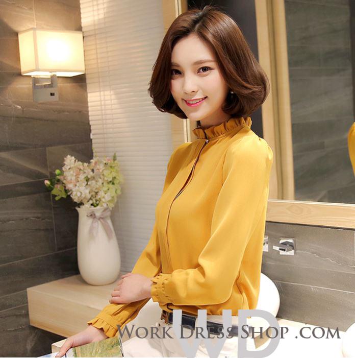 Preorder เสื้อทำงาน สีเหลืองขมิ้น คอตั้ง แขนแต่งระบายสวย จับจีบด้านหน้าสวยงาม