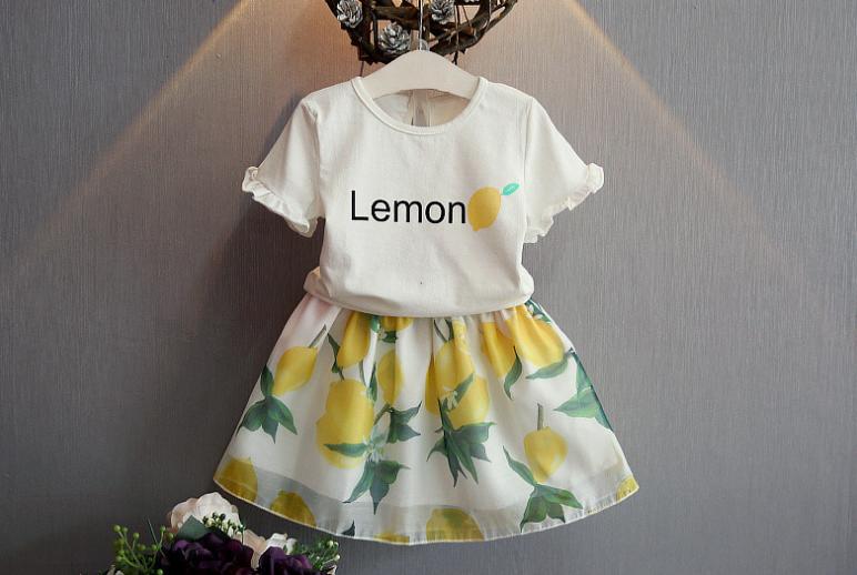 ชุดเซ็ทน่ารัก เสื้อสีขาว Lemon มาพร้อมกระโปรงเอวยางยืด ใส่เข้าชุดกันน่ารักสุดๆค่ะ