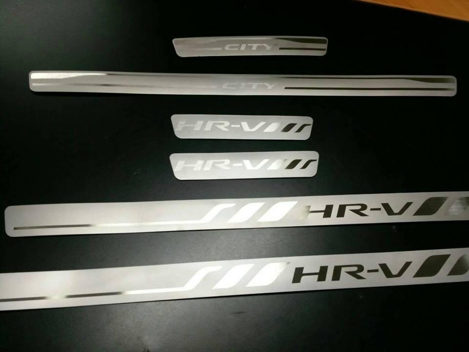 กาบบันไดสแตนเลส HONDA HR-V (4ชิ้น)