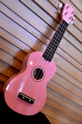 อูคูเลเลเล่ Ukulelel Mild รุ่น basic - Pink Soprano ฟรีกระเป๋า