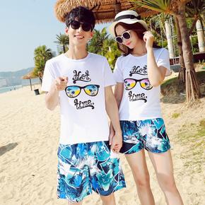 เสื้อคู่รัก ชุดคู่รักเที่ยวทะเลชาย +หญิง เสื้อยืดสีขาวลายแว่นตา กางเกงขาสั้นลายแฉกโทนสีฟ้า +พร้อมส่ง+