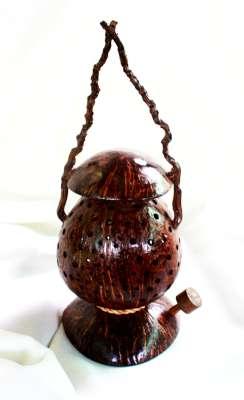 โคมไฟกะลามะพร้าวรูปตะเกียง Coconut Shell Lamp