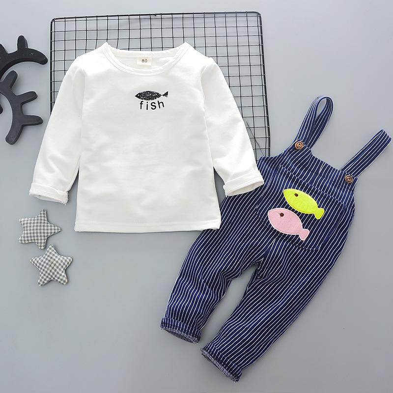 ชุดเซตเสื้อแขนยาวสีขาว+เอี๊ยมลายปลาสีกรมท่า แพ็ค 2 ชุด [size 2y-4y]