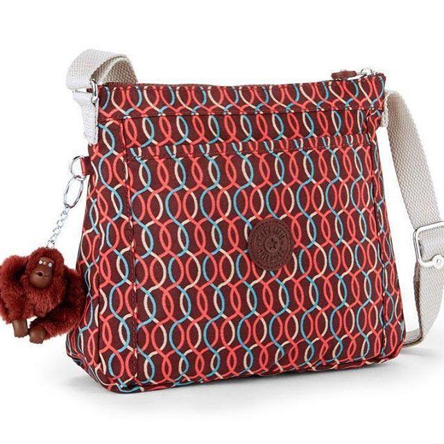 Kipling Moyelle Blured Line กระเป๋าสะพายน่ารัก ขนาด 25 L x 18 H x 7 W cm